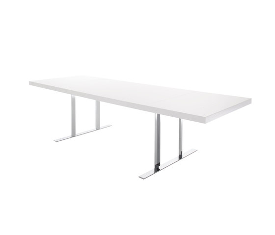 Cineline dining table by Ligne Roset | Dining tables