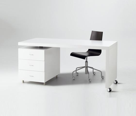 Cineline desk by Ligne Roset | Desks