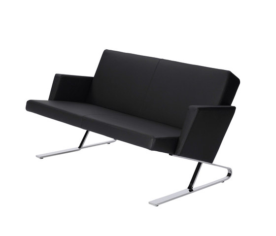 Satyr Two seater with armrest de ClassiCon | Sofás lounge