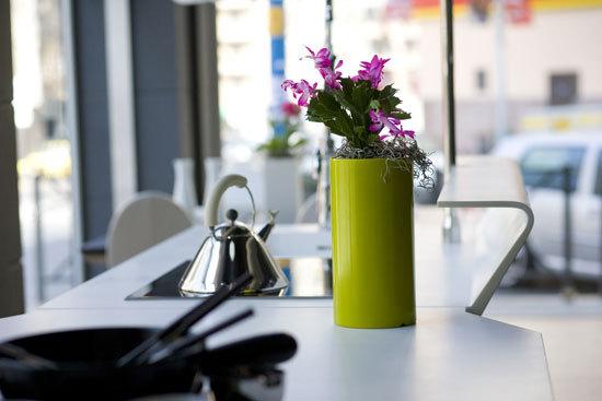 Nano Cilindro alto by Vondom | Flowerpots / Planters