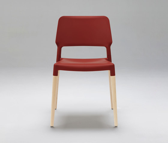 Belloch Chair by Santa & Cole | Visitors chairs / Side chairs