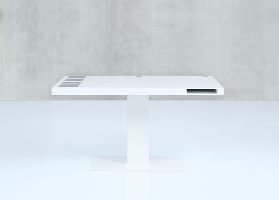 MILK Classic by Holmris B8   Contract tables