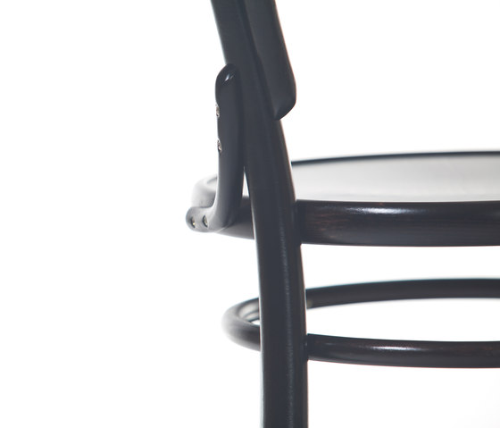 14 Chair by TON | Restaurant chairs