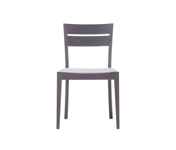 Udine chair upholstered de TON | Sillas para restaurantes