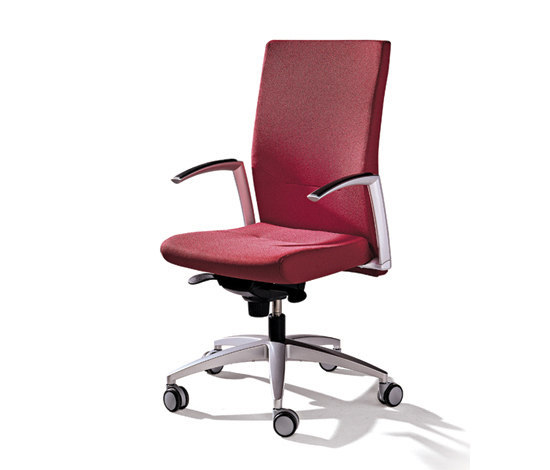 Kados chair by actiu | Management chairs