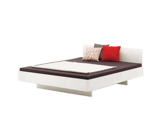 COM:CI bed by Holzmanufaktur | Double beds
