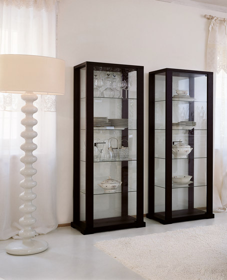 bryant expo by Porada | Display cabinets