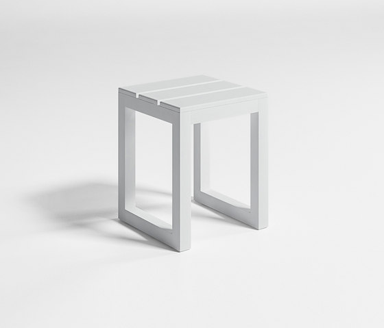 Saler low Stool by GANDIABLASCO | Garden stools