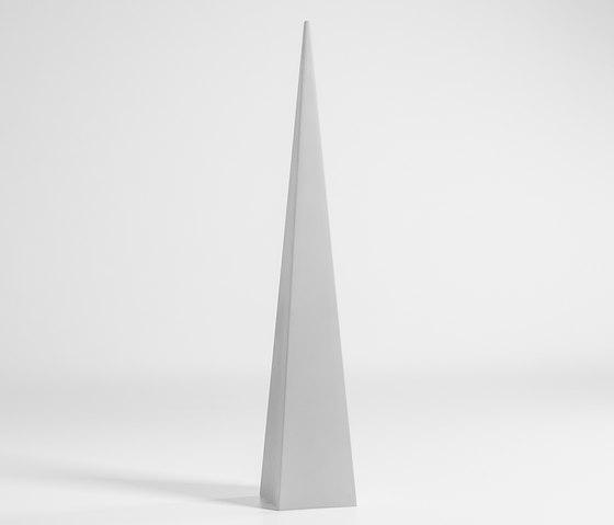 Pirámide Lamp by GANDIABLASCO | Freestanding floor lamps