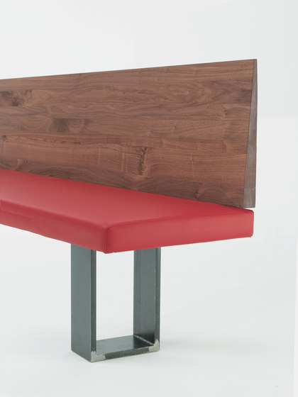 Newton by Riva 1920 | Upholstered benches