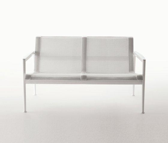 1966-55 Bench by Knoll International | Garden benches