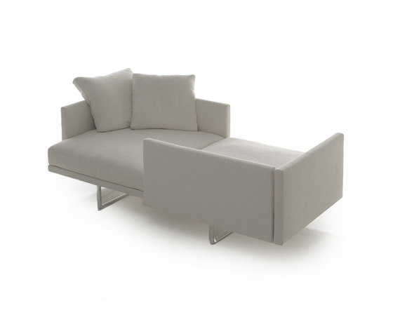 185-188 Toot by Cassina | Lounge sofas