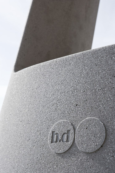 Table B Stone by BD Barcelona | Restaurant tables