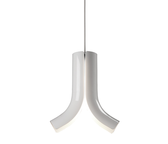 b.pipe hanging by tossB | General lighting