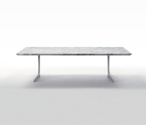 Fly dining table by Flexform | Restaurant tables