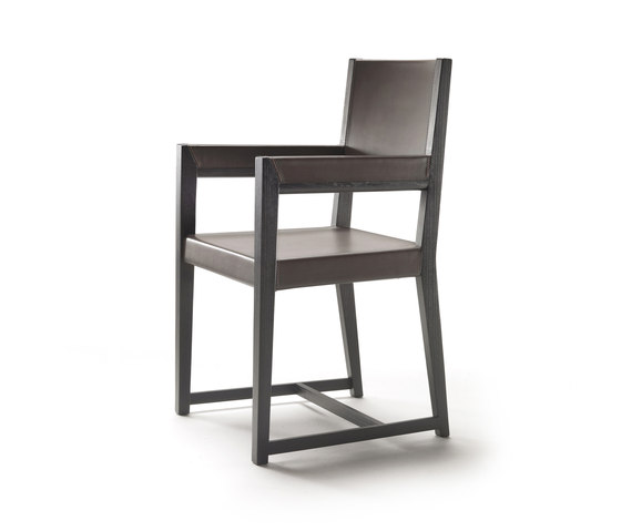 Margaret dining chair with arms by Flexform | Restaurant chairs