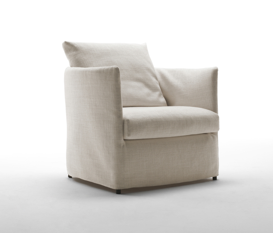 Curve by Living Divani | Armchairs