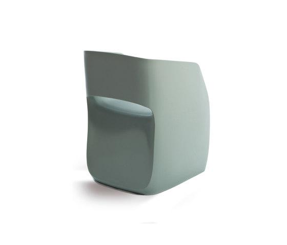 Om basic armchair di Mobles 114 | Sedie ristorante