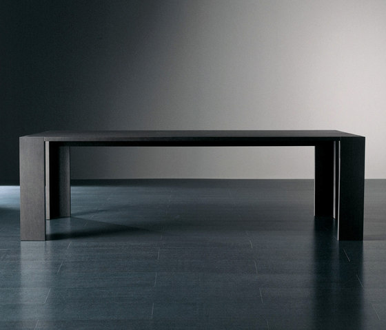 Brando Table by Meridiani | Restaurant tables