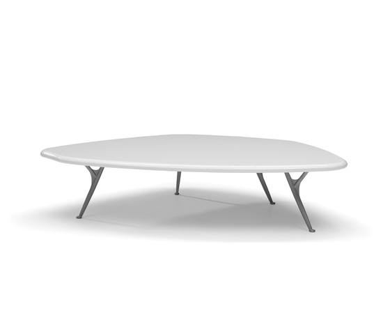 Shu coffee table* by Linteloo | Lounge tables
