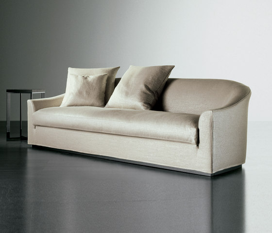 sofas seating lennon fit sofa meridiani andrea parisio. Black Bedroom Furniture Sets. Home Design Ideas