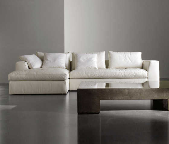 louis by meridiani bed small sofa plus sofa plus. Black Bedroom Furniture Sets. Home Design Ideas