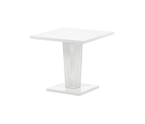 Ivy | 597 de EMU Group | Mesas para cafeterías