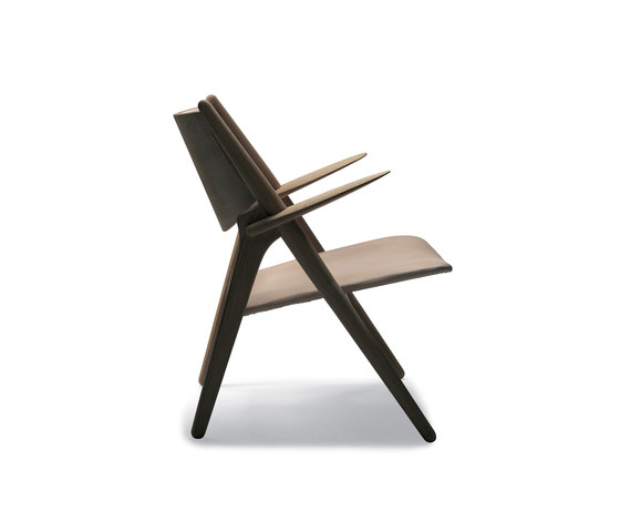 CH28 by Carl Hansen & Søn | Lounge chairs