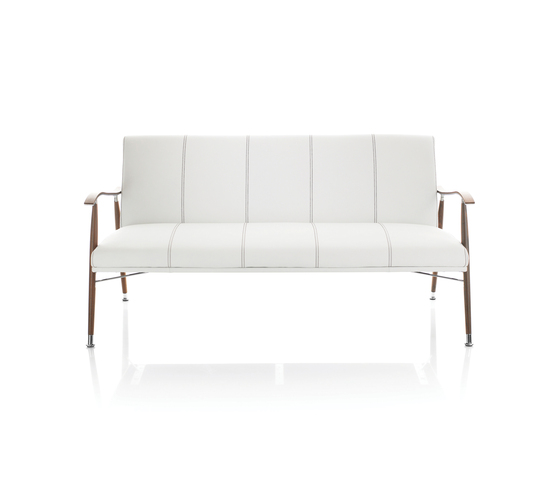 Sahara Wood Sofa by Lammhults | Lounge sofas