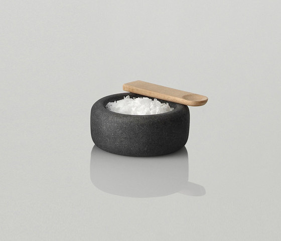 One Salt Celler by Muuto | Salt & pepper shakers