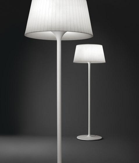 Plis Outdoor 4035 Floor lamp by Vibia | Garden lighting