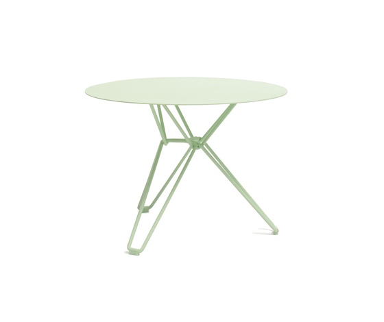 Tio Circular Low Table Metal von Massproductions | Garten-Couchtische