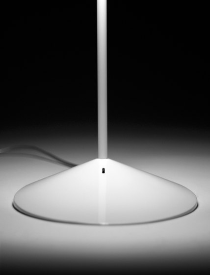 I.cono 0700 Table lamp by Vibia | General lighting