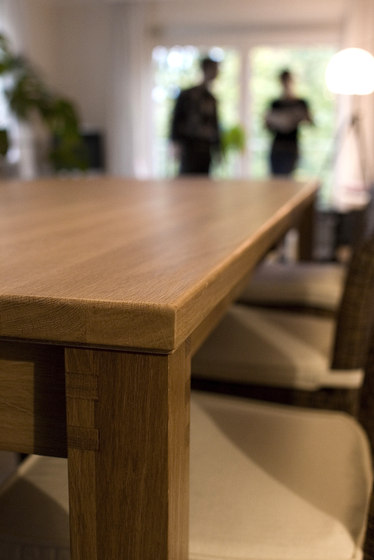 Sandra Table by Andreas Janson | Dining tables
