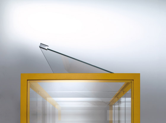 Sottsass | Glass-case by Laurameroni | Display cabinets
