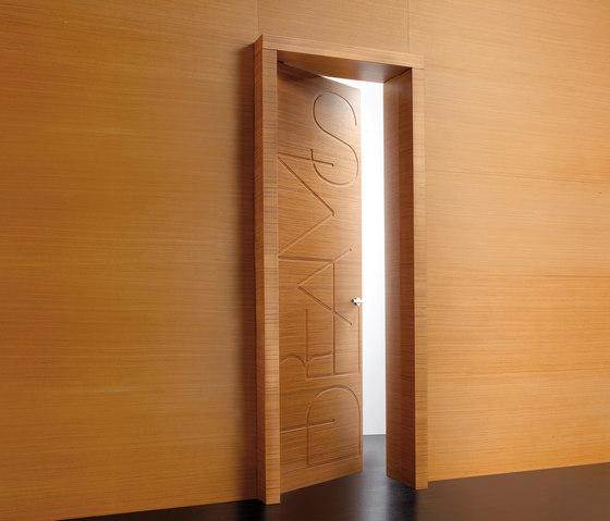 Graffiti | Porta Words di Laurameroni | Porte per interni