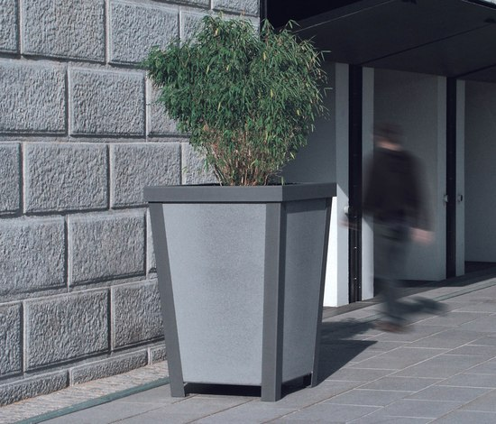 the frame by miramondo | Urban planters