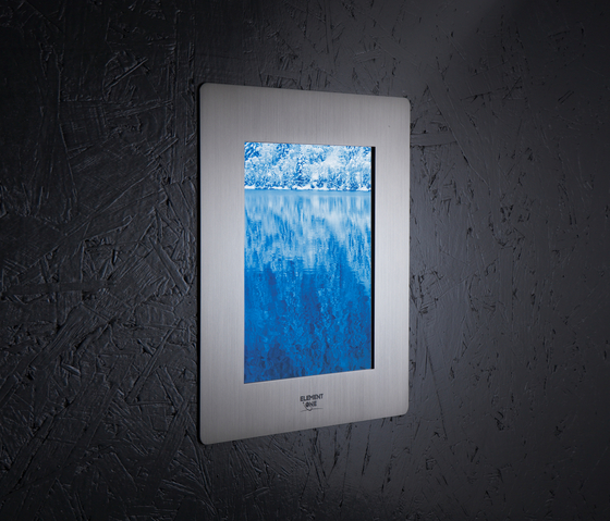 Signis 104-2 ALU in-wall LAN by ELEMENT ONE | Wall mounted displays