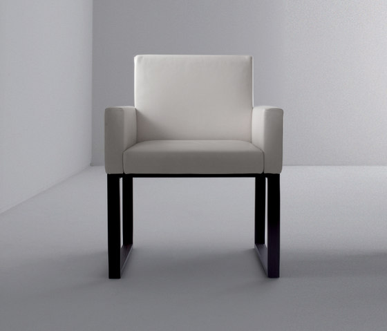 Maxima | Armchair BD 03 B by Laurameroni | Visitors chairs / Side chairs