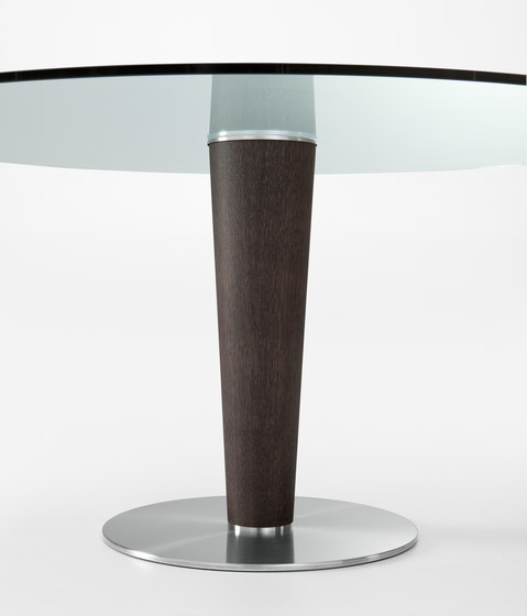 Upside by Gallotti&Radice | Restaurant tables