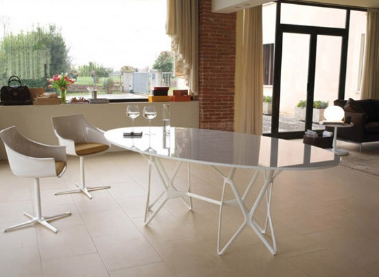 Tori by Frighetto | Dining tables