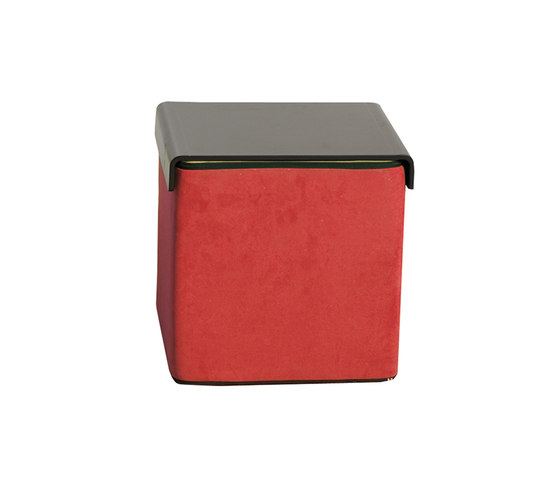 Click Upholstered cube by die Collection | Poufs
