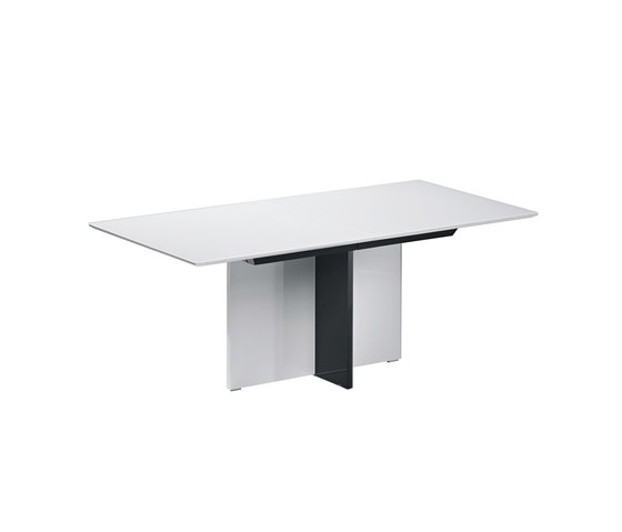 Pure Dining Table by die Collection | Dining tables