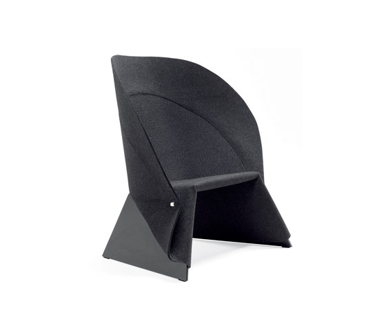 Coat easy chair by Materia | Lounge chairs