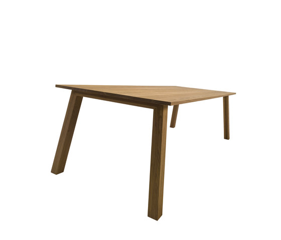 Oxton by Crassevig | Dining tables
