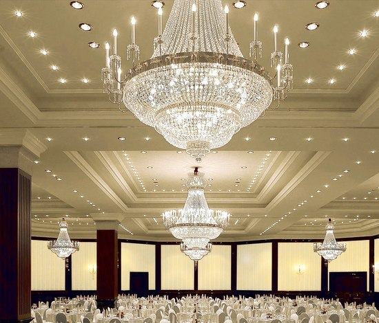 Ritz Carlton Berlin - 18422A by Kalmar | Chandeliers