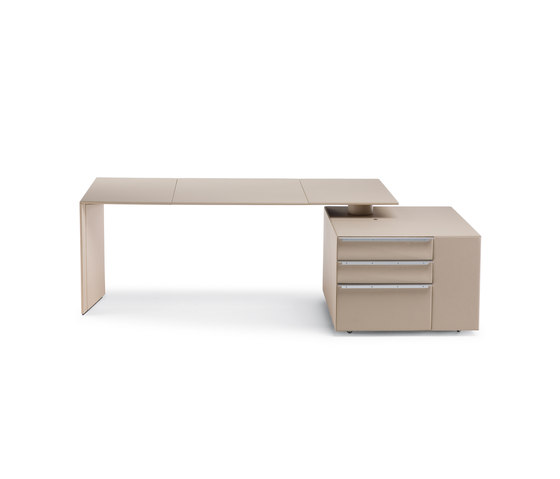 CEO Cube by Poltrona Frau | Executive desks