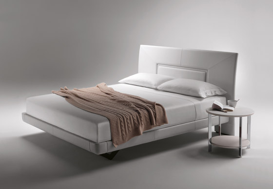 Aurora Uno by Poltrona Frau | Double beds