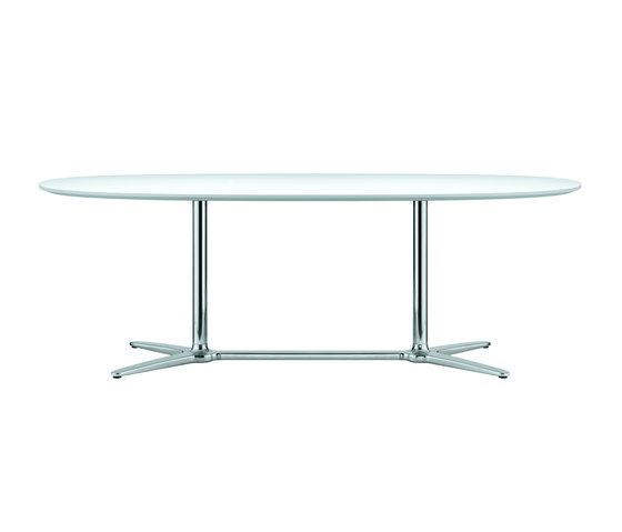 A 1661 by Thonet | Dining tables
