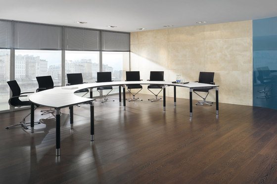 Antaro Desking programme by Assmann Büromöbel | Conference table systems